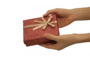 プレゼント渡す