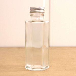スターチスハーバリウムの作り方で分かる!六角瓶の特性を活かす方法