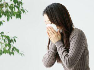 アレルギー女性