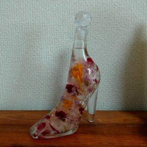 ハーバリウムでガラスの靴を贈る時には